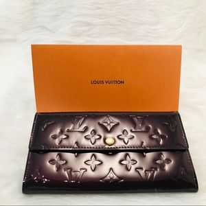 LOUIS VUITTON Vernis Wallet Purple